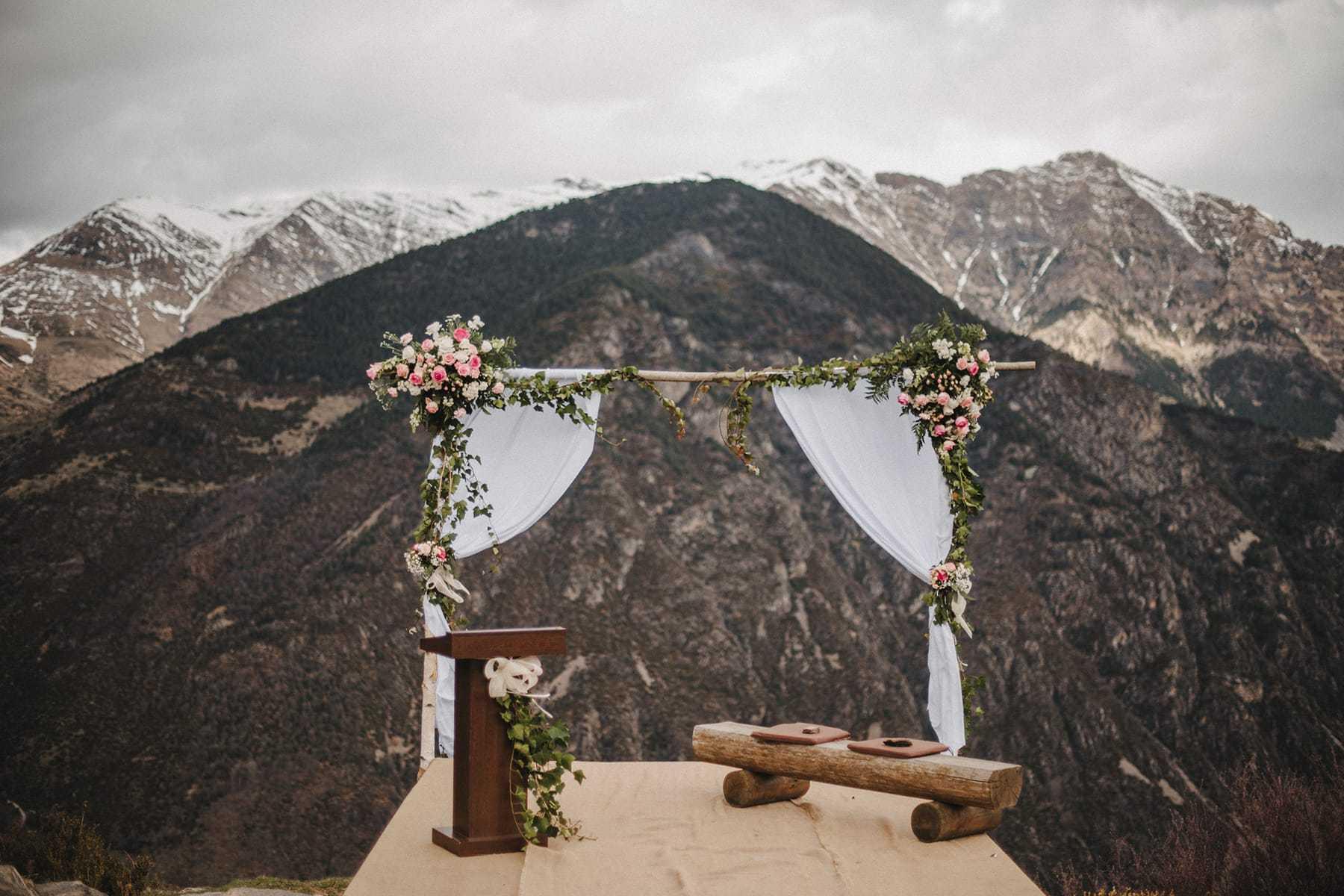 Altar en acantilado en la Vall de Boí