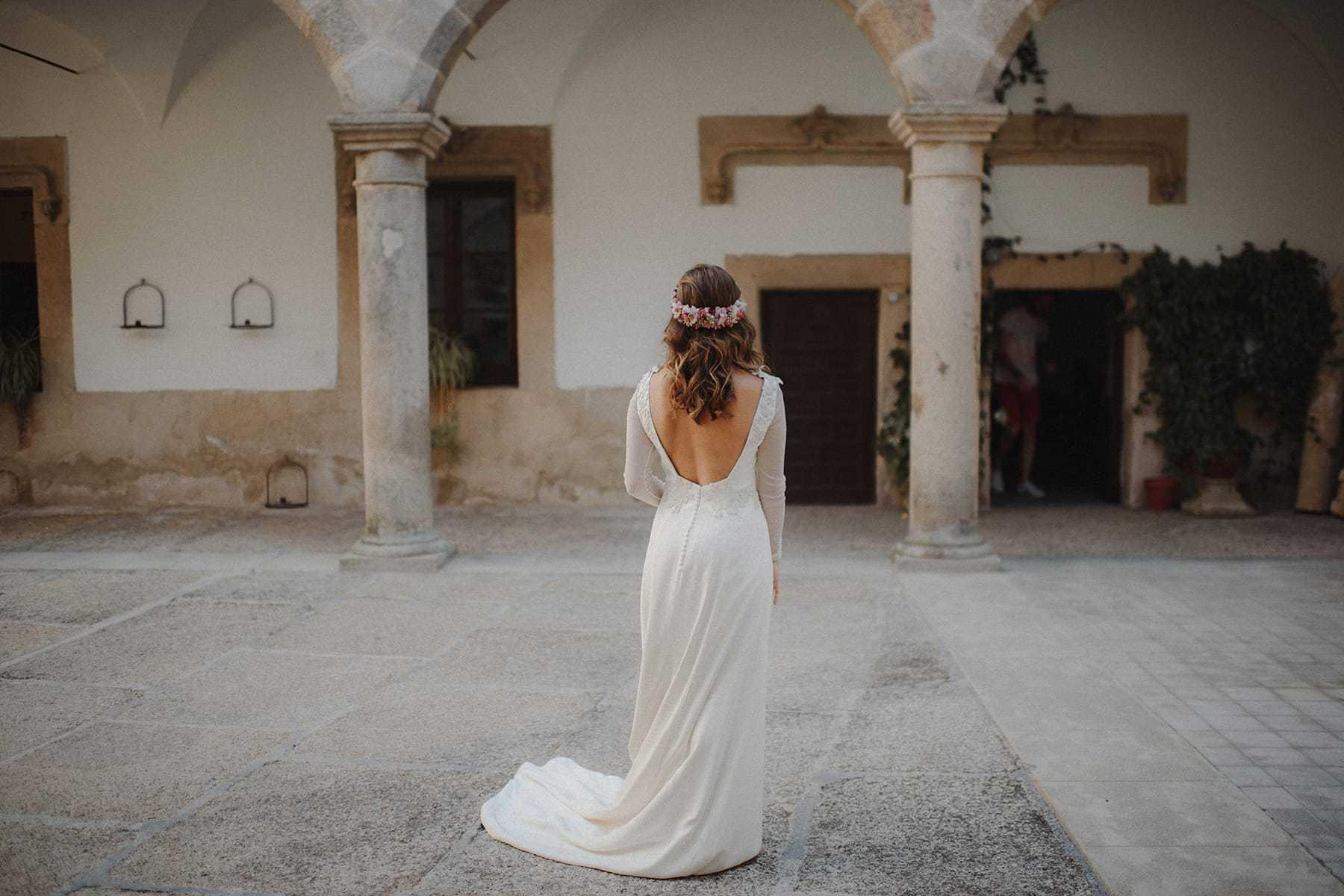 Detalle de la espalda de un vestido de Paredero Quirós