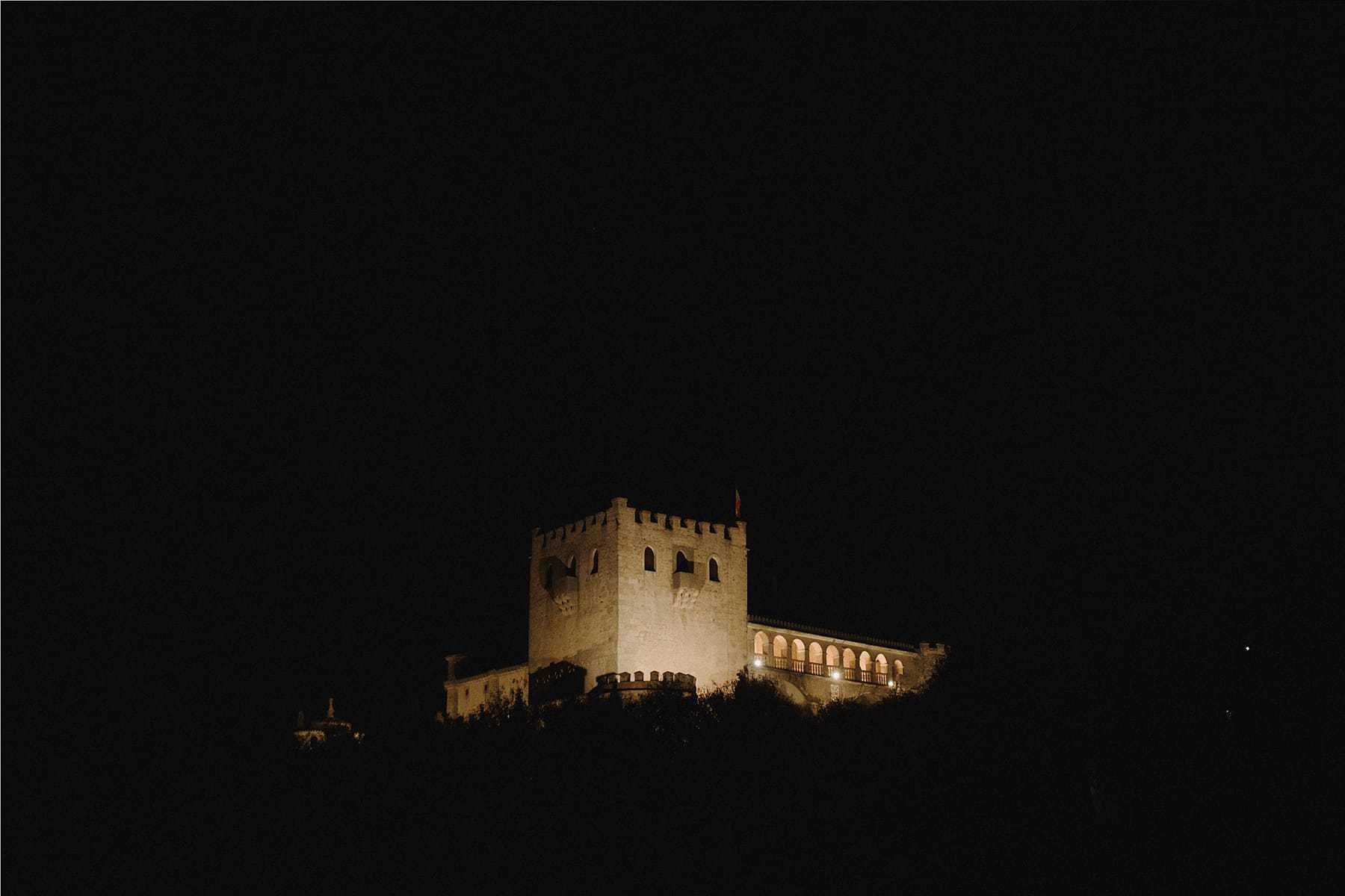 Iluminación nocturna del Castillo de Piedrabuena