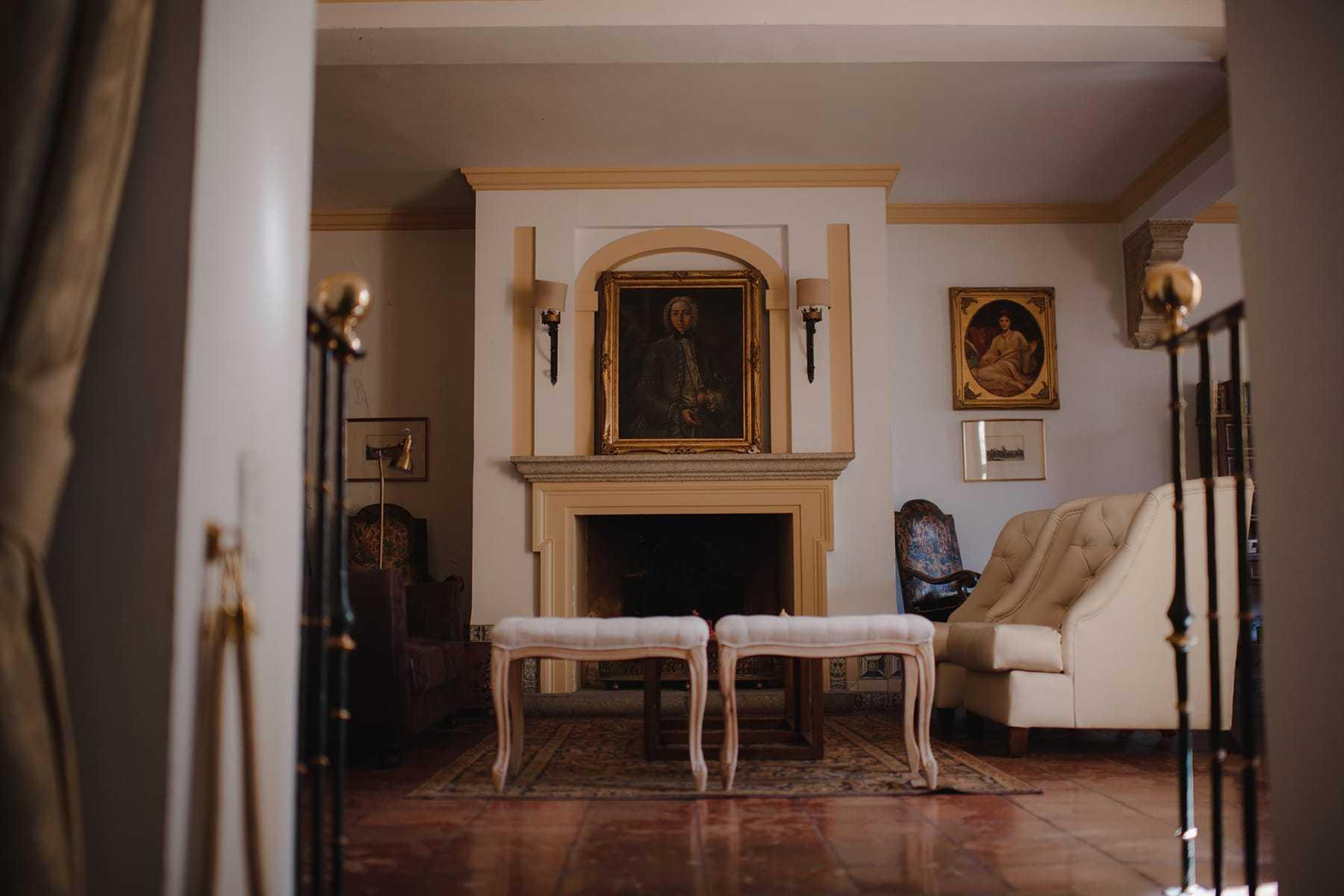 Salón del hotel de la Hacienda del Cardenal