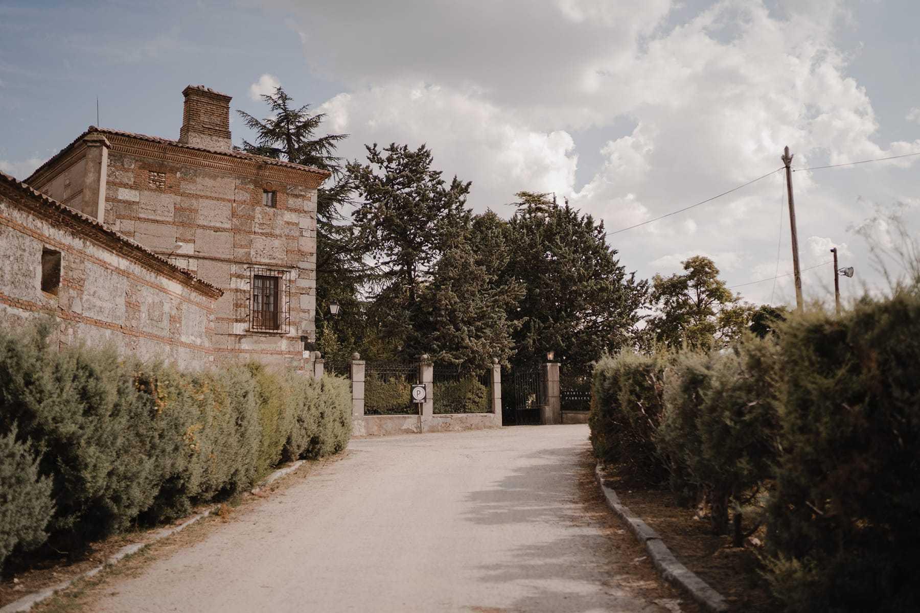 Entrada a la Abadia de Párraces