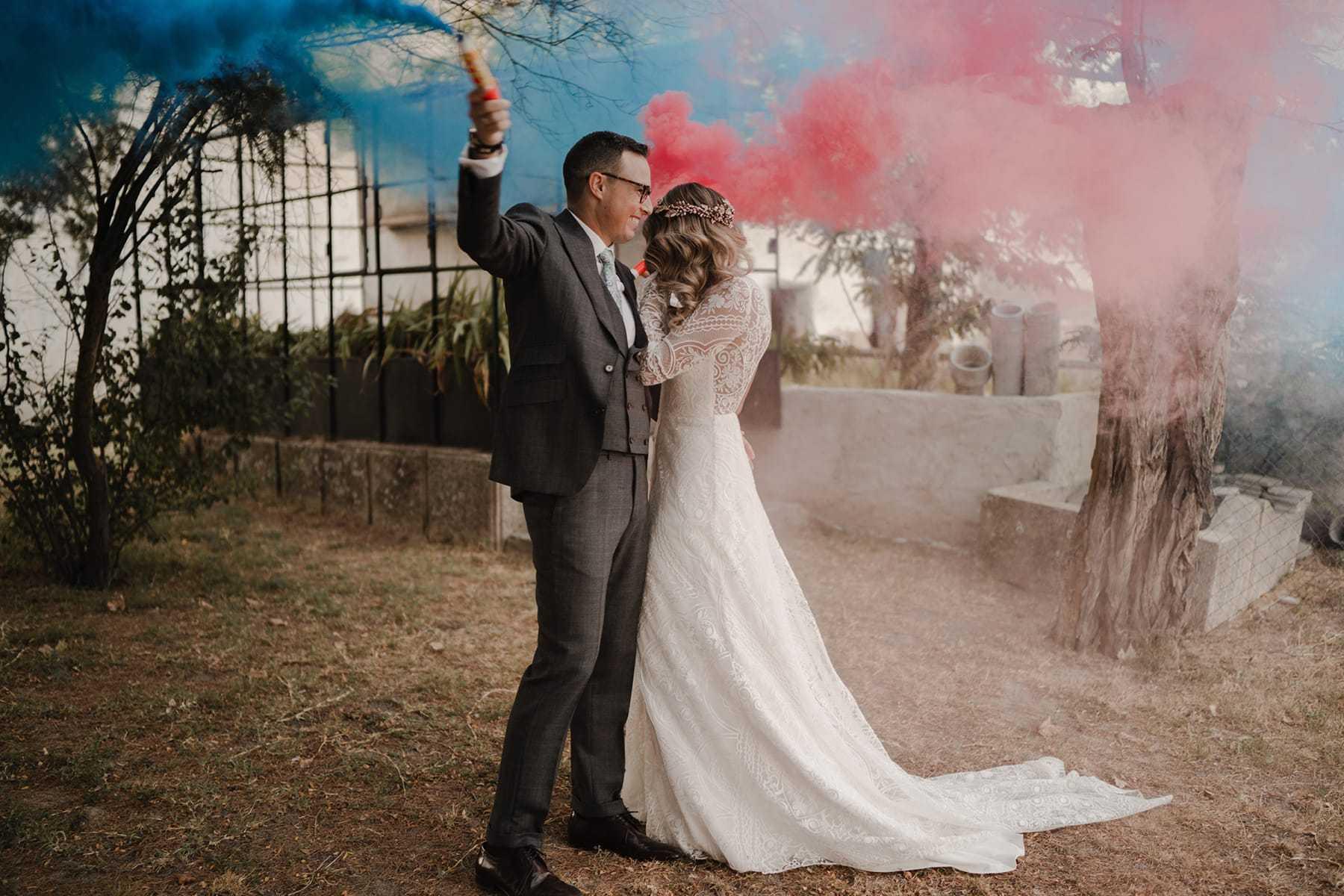 Bombas de humo en boda